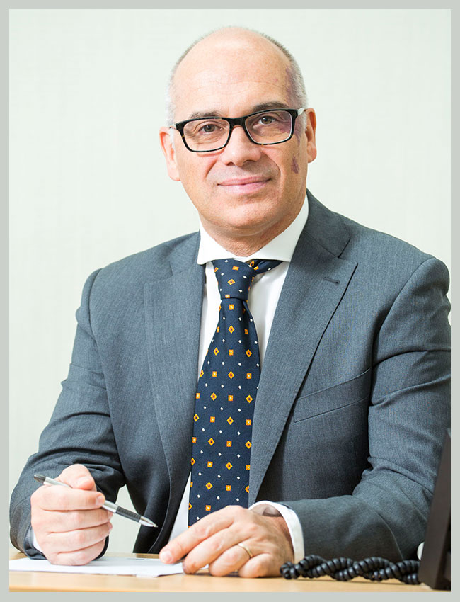 Mr. Massimo Varcada Consultant Surgeon, Honorary Senior Lecturer UCL, Clinical Lead For General Surgery RFH Site